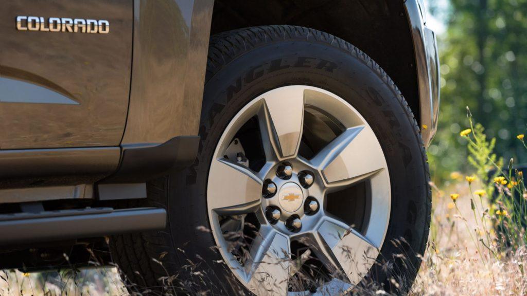 chevy-colorado-tire