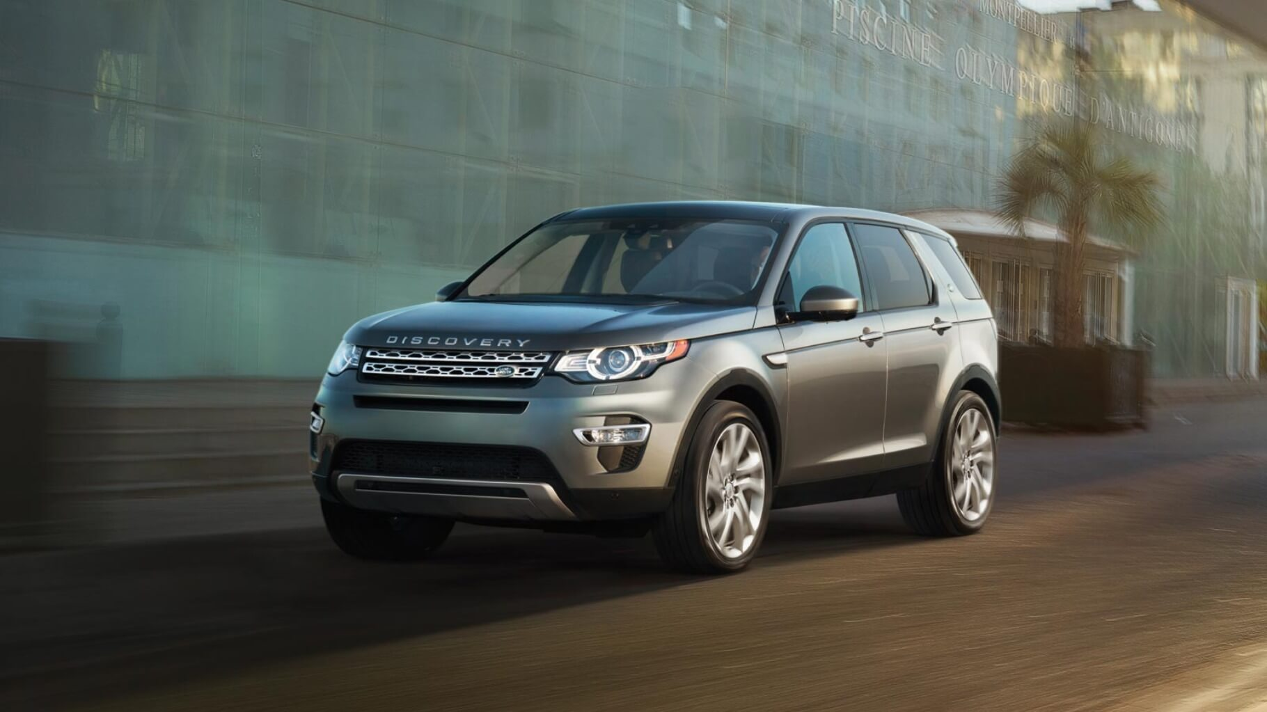 2016 Land Rover Discovery Sport Wins Over Auto Trader UK Team | Land ...