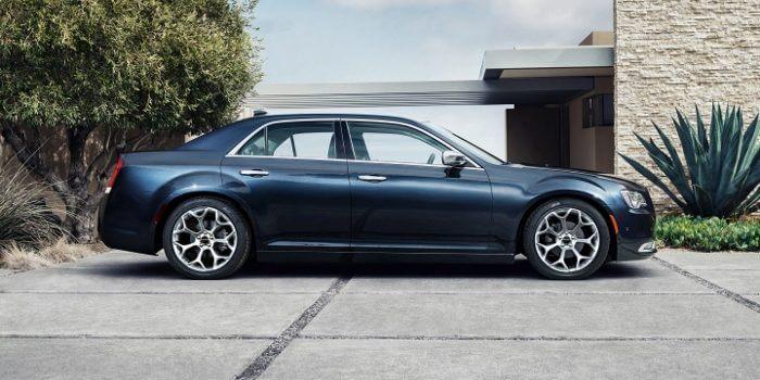 2017-Chrysler-300-C-Profile-700x355-700x350