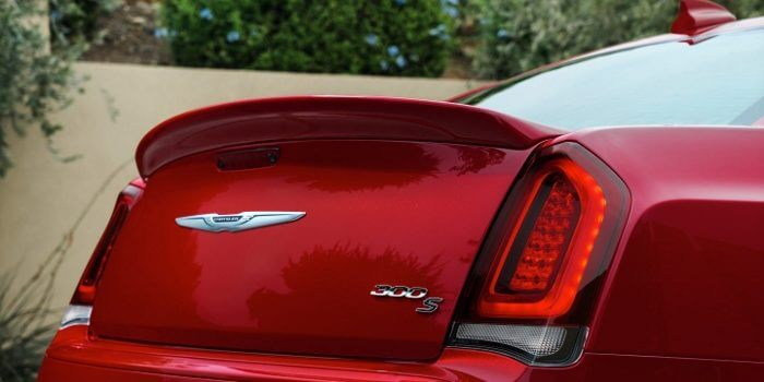 2017-Chrysler-300-S-Taillights-700x355-700x350