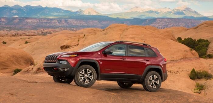 2017-Jeep-Cherokee-Trailhawk-700x340
