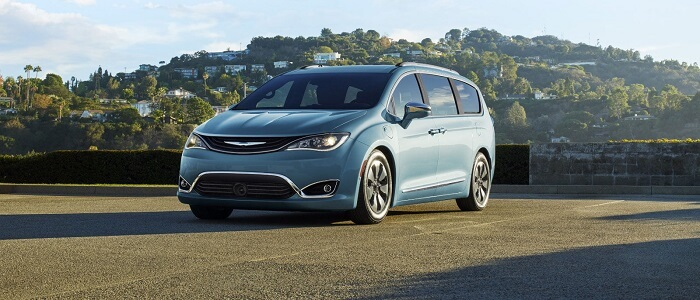 2017_Chrysler-Pacifica-Limited-Hybrid_Teal