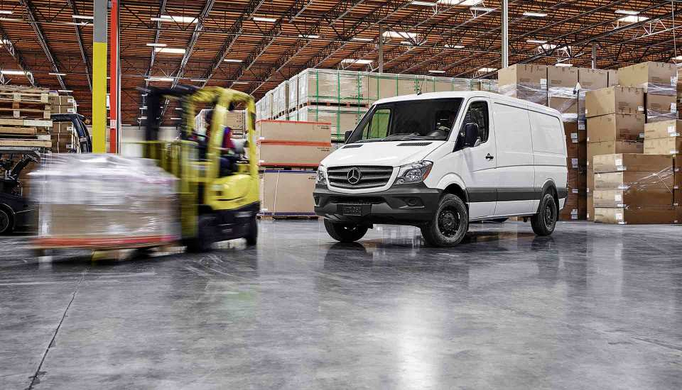 Sprinter of smithtown has the perfect commercial vehicle for Mercedes benz smithtown service
