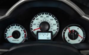 2015-honda-pilot-fuel-efficient-SUV-indicator