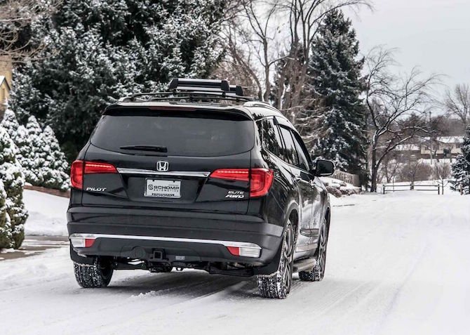 Honda Suv in snow