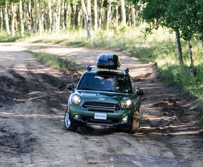 countryman-dirt-road