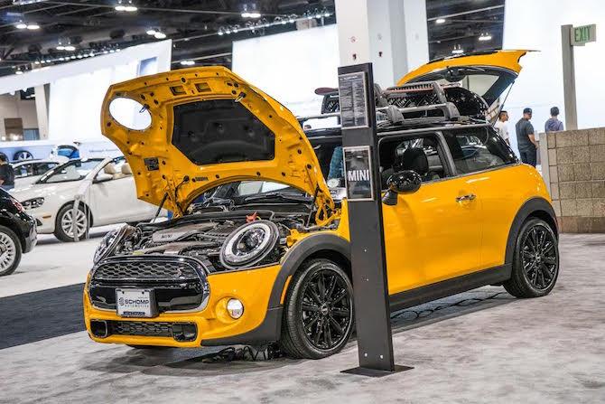 mini-yellow-carshow