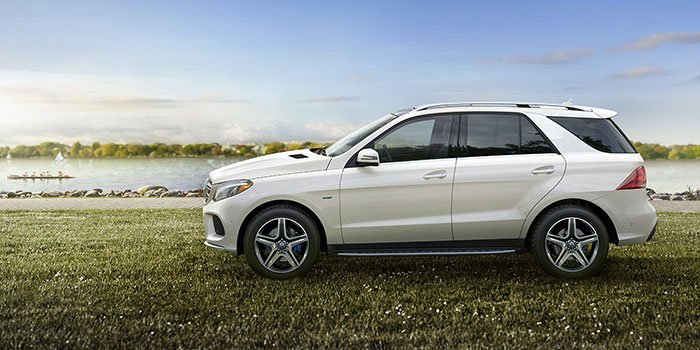 2017-SPECIAL-OFFERS-17-GLE-SUV-HERO-006-D