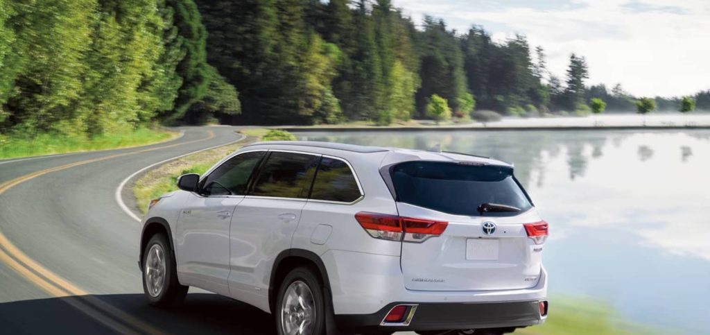 2017-Toyota-Highlander-2