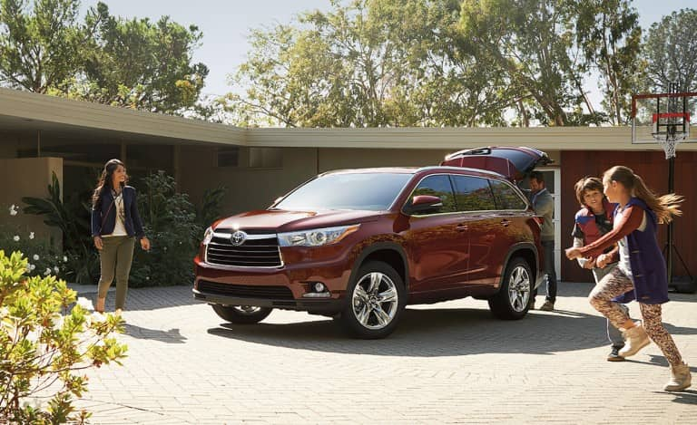Toyota Highlander Has Capabilities Of Suv Interior Space Of A Mini